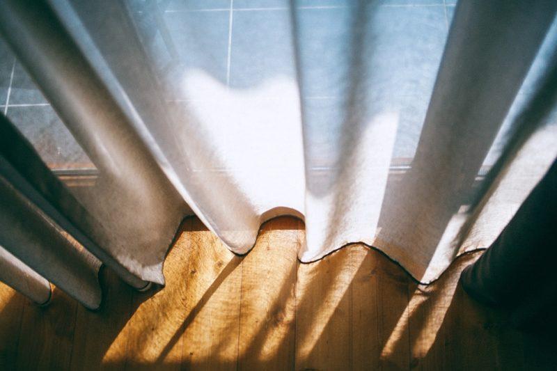 Как нужно стирать шторы правила для разных типов тканей